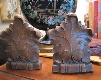 Syroco Wood Antique Oak Leaf Bookends