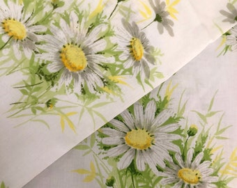 Twin Daisy Yellow and White Flat Sheet // Vintage Floral Sheet // 1970's