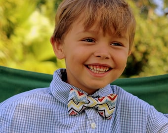Boys Chevron Bow Tie - zig zag cotton bowtie in blue cream red green brown - baby bow tie, toddler bow tie, striped bow tie, boys bow tie