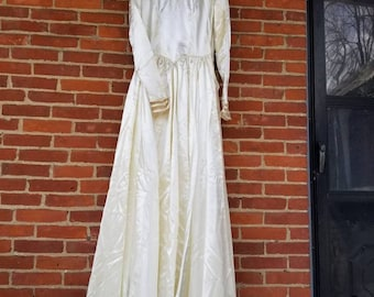 Vintage 1950s Cream Fluid Satin Wedding FGown by Mindelle Long Sleeves Train