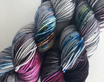MAGIC MARKERS. hand dyed worsted weight yarn, gray yarn, speckle yarn, superwash merino yarn, soft, unique yarn,