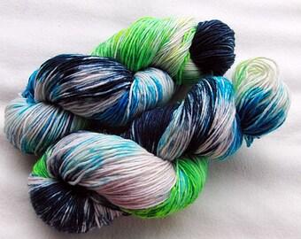 Handpainted  DK Sock Yarn, 75 Wool , 25 Nylon 200g 7.0 oz.  Nr. 156