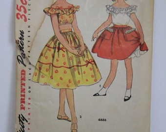 Vintage Simplicity Pattern #4686 Girls Blouse and Skirt, from 1940s
