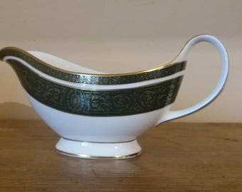 Royal Doulton vanborough gravy boat, vintage English fine bone china green white and gold sauce jug, Christmas tableware