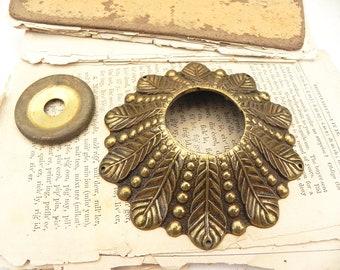 "Vintage Brass Bobeche Chandelier Wall Sconce Candle Suncatcher LAMP PARTS 4""W"