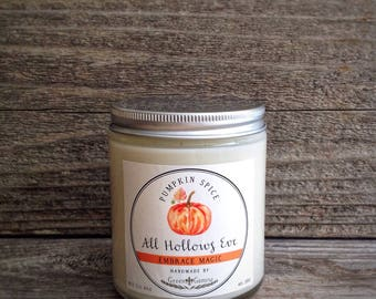Homemade Halloween Soy Candle - Pumpkin spice Scent, Green Gamine candle, Autumn candle, Artisan Candle