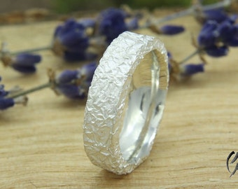 Ring Silver, crumpled