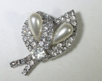 Clear Rhinestone Pearl Teardrop Glass Brooch Vintage Leaf Pearl Teardrop Brooch Vintage Sparking Glass Brooch Wedding Brooch Elegant Brooch