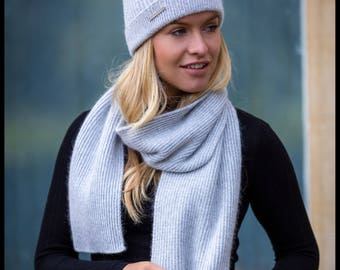 Ladies cashmere ribbed scarf