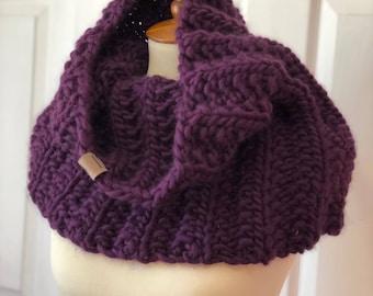 Hand Knitted Cowl | Super Chunky Fine Peruvian Highland Wool Yarn | Rib Knit Cowl | Soft & Warm