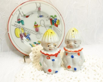 Vintage Clowns Salt & Pepper Shakers, Made In Japan, 1950s collectible