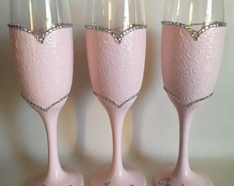 Bridesmaids Champagne Glasses, Bridesmaid Gifts, graduation gift, personalised, hen party, Bridal Party, Champagne flutes, prosecco glass