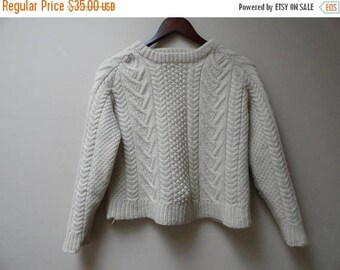 SALE Cable Knit Sweater - Cream Fisherman Style - Size S M - Shorter length - Vintage