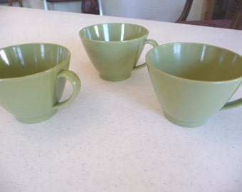 Vintage Melmac Cups, Green Cups, Plastic Cups, Coffee Cups, Vintage Tea Cups, Vintage Housewares, Three Cups, ,Vintage Kitchen,Melamine Cups