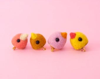 Cute  bird pin,  bird badge, felt  bird gifts for her, bird button,  bird brooch,  bird jewelry, funny badge, funny bird accessories