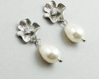 Pearl And Crystal Earings Silver Flower Earrings With Cream Swarovski Crystal Pearls