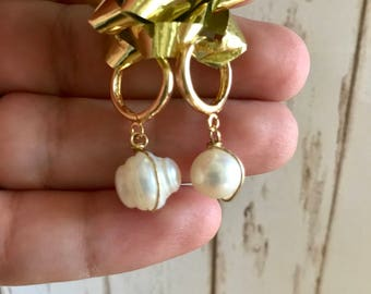 Pearl Gold Plated 18k, first communion gift, baptism gift, Aretes de Perla de Rio en chapa de Oro de 18k