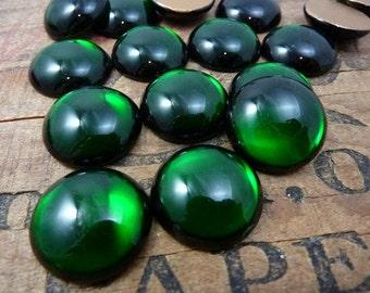 Vintage Glass Rhinestone Emerald Green 21mm Glass Rhinestones Luminous Green (2)
