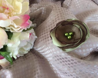 Flower 6 cm green satin and Brown organza with pearls