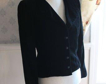Vintage Black Velvet Buttoned Long Sleeve Jacket