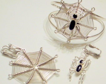 Vintage Sterling Spider Bracelet And Earring Set - Handmade - Unique -  SALE -  Onyx Spider In Web -Black and Silver - Insect - Bug