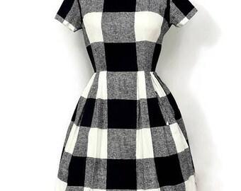 Vintage 1950s Dress /  50s Dress / Black and White Plaid Dress