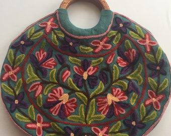 VINTAGE. handbag. CREWEL. embroidered. FLORAL. tote. 1970s.