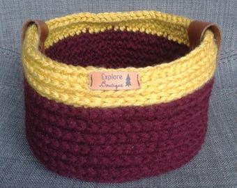 Basket crochet Burgundy and yellow