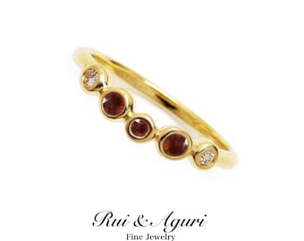 Anniversary ring with Garnet (January birthstone) K14 or K10