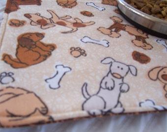 Tapis alimentation pour animaux de compagnie chien, chiens, chiot Mat, tapis chien, tapis pour animaux de compagnie de voyage, OOAK napperon pour animaux de compagnie, Paisley brun Mat, Set de table réversible, tissu Mat pour animaux de compagnie