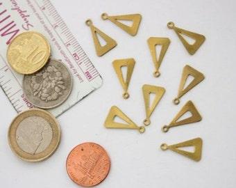 Menu triangulaire en laiton vieilli. Breloque en laiton, composant vintage, vintage fournitures, charme vintage, fournitures de bijoux, fabrication de bijoux.