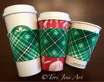 Christmas cup cozy - green snowflakes
