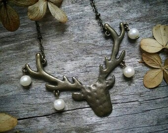 Faux pearl deer pendant necklace