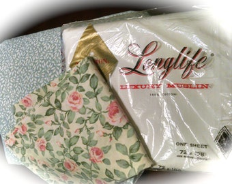 Vintage Twin ReMix Sheet  and Pillowcase / NOS Flat Sheet / Floral  and Leaf Design / Retro Linens / Vintage Sheet Set