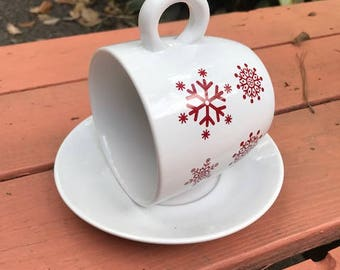Holiday Bird Feeder, Christmas Gift for You!  Lovely China Snowflake Pattern Red  White Bird Feeder, Bird Winter Station, Nature Lovers Gift