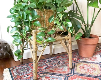 Vintage wicker Plant stand / Rattan Side Table / Jungalow style