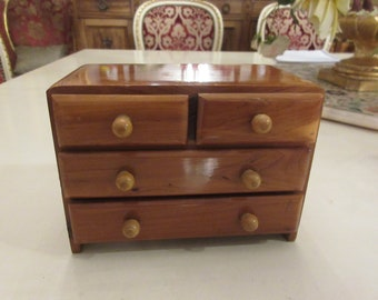 NEW HAMPSHIRE WHITE Mountains Hand Crafted Chest