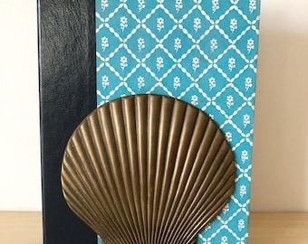 Brass shell bookeneds
