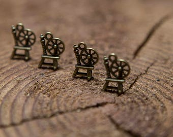 5 pcs spinning wheel Charm / Spinning wheel pendant / Findings for handmade jewellery / Bronze charms
