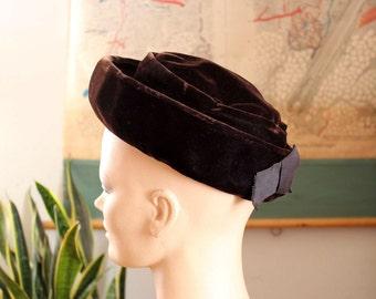 vintage 1960s brown velvet boater hat