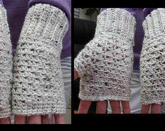 Textured Mesh Fingerless Gloves Crochet Pattern
