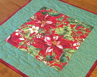 Christmas Floral Table Topper, Christmas Table Quilt, Christmas Decor, Christmas Table Runner, Holiday Decor, Holiday Table Runner