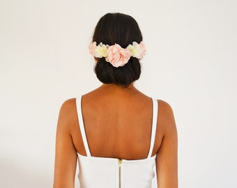 Ivory coral flowers wedding hair comb, wedding or bridal bridesmaid flower hair accessory
