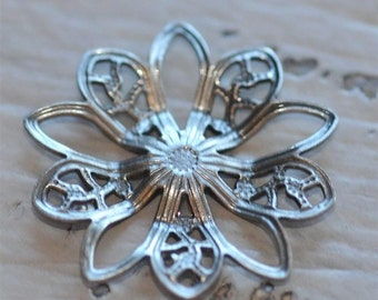 Set of 6 Antique Silver Filigree Flower piece 20mm connector