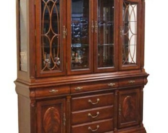 UNIVERSAL FURNITURE Cherry Legacy 68″ Lighted China Cabinet