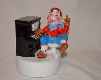 Rare Howdy Doody Figurine Plays Piano