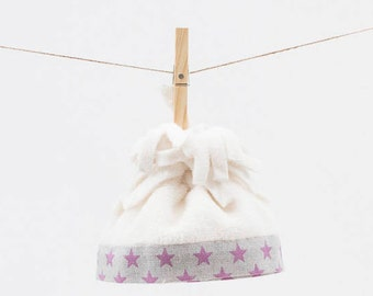 Polar hat with fabric flange magenta stars