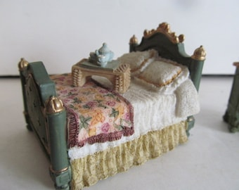 Dollhouse Double Beds Green bedroom Decor Miniature Dollhouse Beds Dollhouse miniature Display Breakfast in Bed Vignette Dollhouse Display