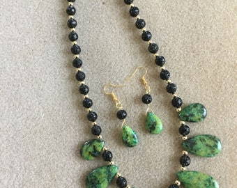 Green Magnesite Necklace and Earrings