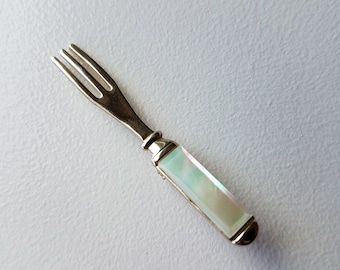 Silver Tone Fork with Mother of Pearl Handle Pin